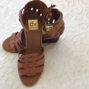 New Dolce Vita wedges size 8 !